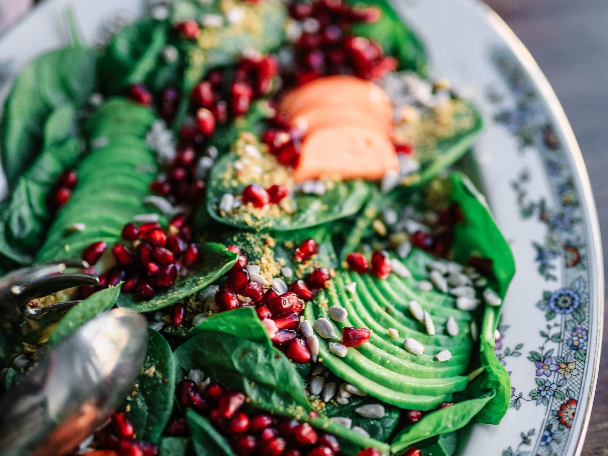 Salaattia syömällä maksa puhdistuu ja mm. rasvamaksan riski pienenee!