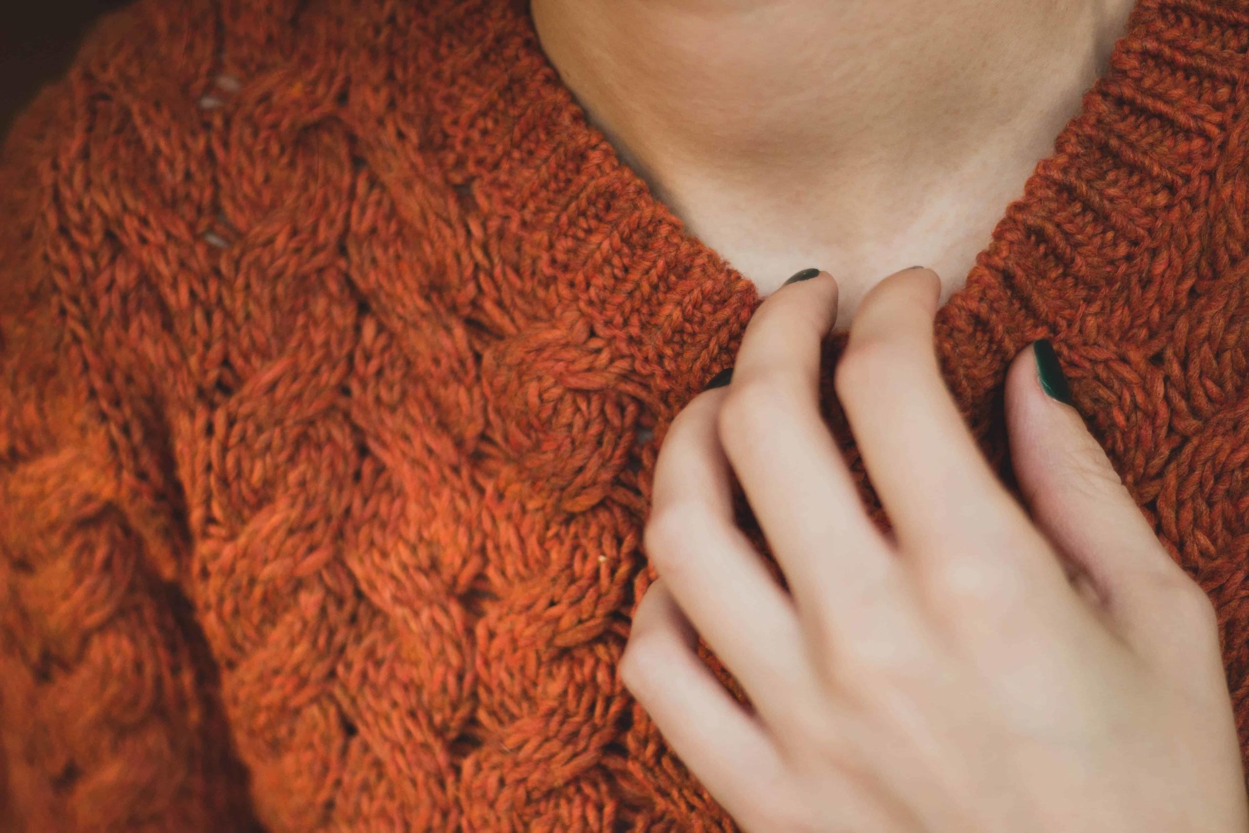 Helposti palelevaa vataa tasapainottavat lämminsävyiset värit.